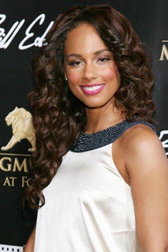 Alicia Keys trägt elegante Locken
