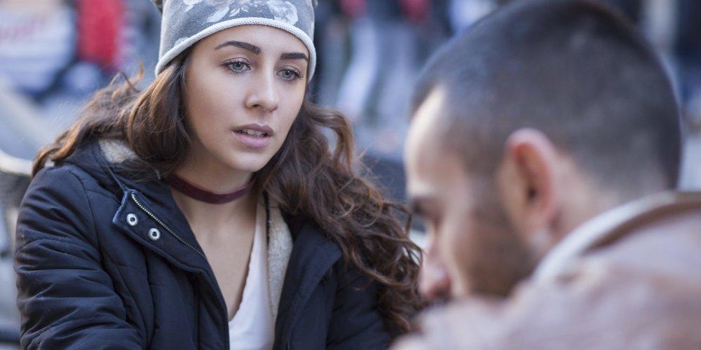 8 Frauen beschreiben, was sie dazu bewegt hat, ihrem untreuen Partner eine zweite Chance zu geben und ob sie ihre Entscheidung heute bereuen oder nicht.