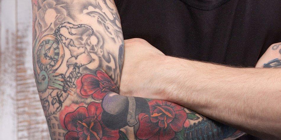 Tattoo männer unterarm uhr