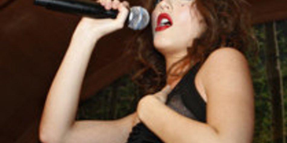 Leighton Meester versucht in der Musikbranche Fuß zu fassen