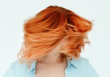 Haare Aschblond Färben So Gelingt Die Trend Farbe Desired De