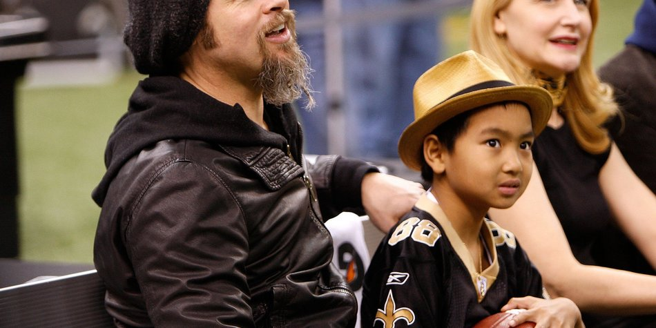 Brad Pitt kauft seinem Sohn ein Motorrad
