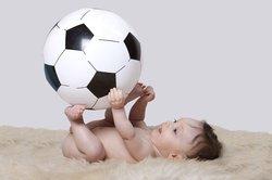 Baby, 7 Monate, spielt.