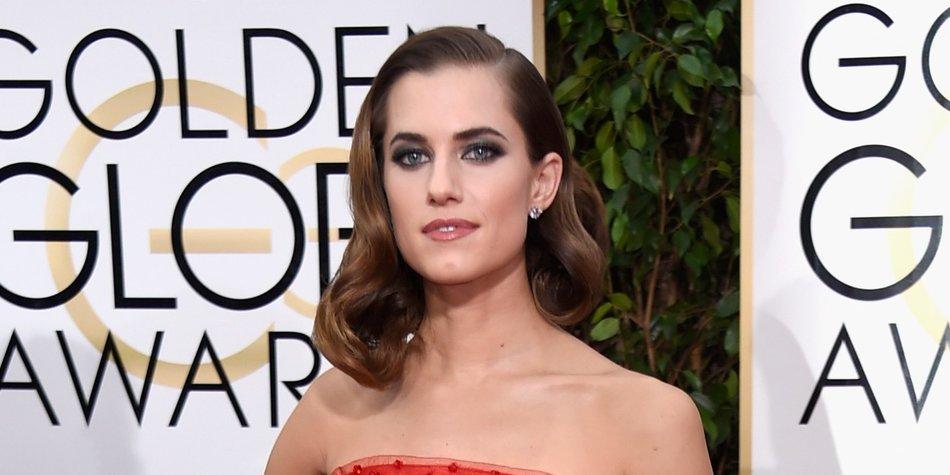 Golden Globes Frisuren: Frau trägt Seitenscheitel