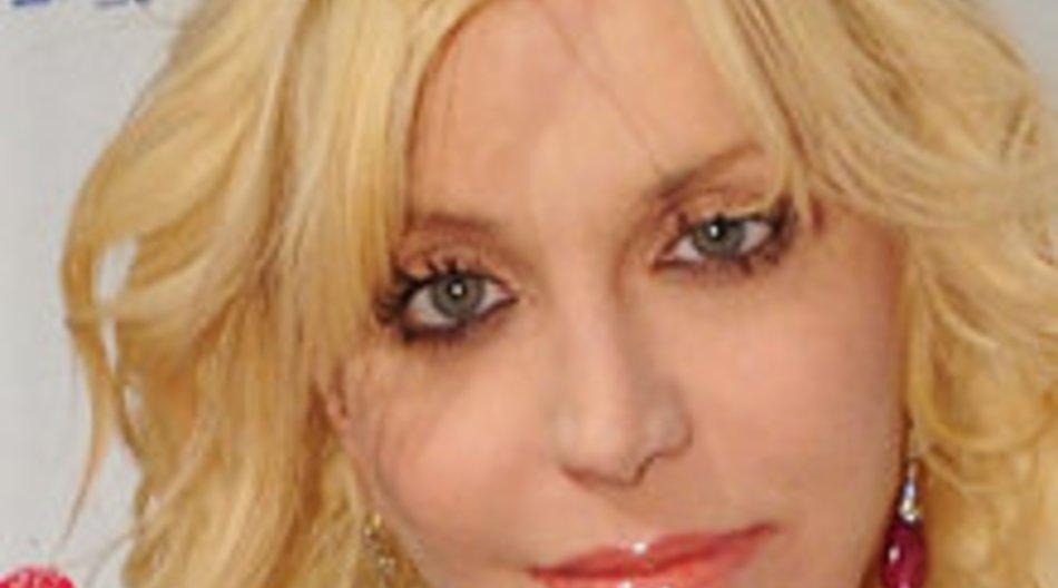 Courtney Love plant Comeback