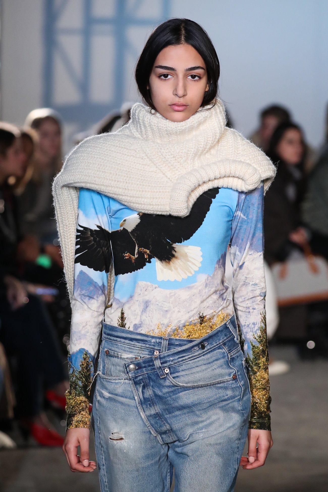 Pullover Schal Fashion Week