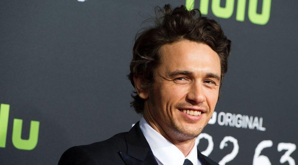 """James Franco outet sich als """"ein bisschen schwul""""."""
