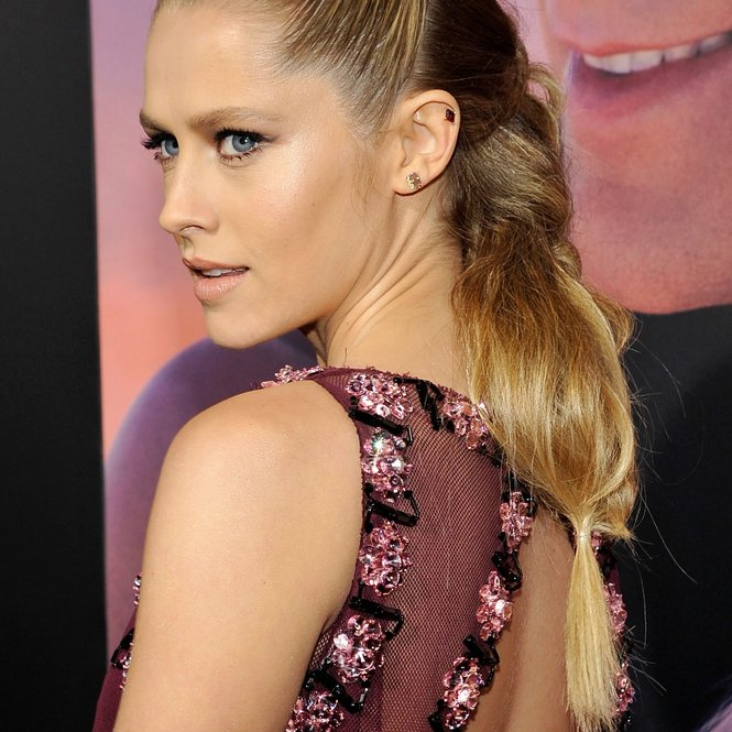 "HOLLYWOOD, CA - FEBRUARY 01:  Actress Teresa Palmer attends the premiere of Lionsgate's ""The Choice"" at ArcLight Cinemas on February 1, 2016 in Hollywood, California.  (Photo by John Sciulli/Getty Images)"
