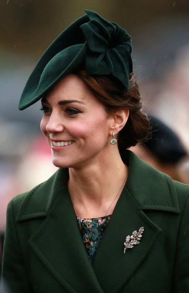 KING'S LYNN, ENGLAND - DECEMBER 25:  Catherine, Duchess of Cambridge attends a Christmas Day church service at Sandringham on December 25, 2015 in King's Lynn, England.  (Photo by Chris Jackson/Getty Images)