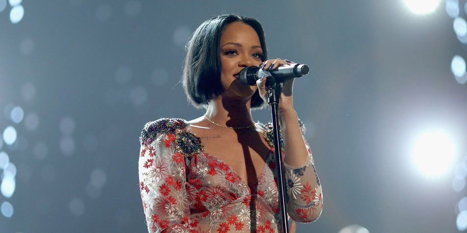 Rihanna_Christopher Polk_GettyImages-510127512