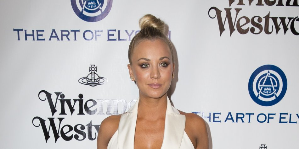 CULVER CITY, CA - JANUARY 09: Actress Kaley Cuoco attends The Art of Elysium 2016 HEAVEN Gala presented by Vivienne Westwood & Andreas Kronthaler at 3LABS on January 9, 2016 in Culver City, California. (Photo by Alison Buck/Getty Images)