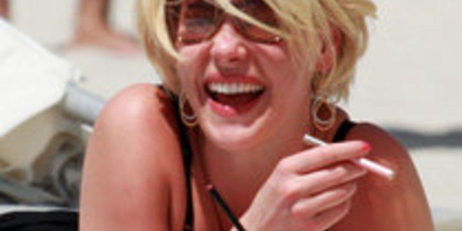 Katherine Heigl raucht elektrische Zigarette!