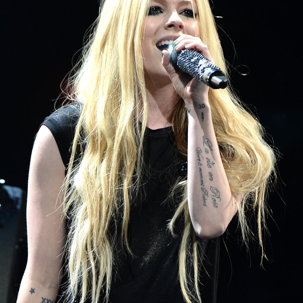 Avril Lavigne: Nach schwerer Krankheit endlich wieder auf der Bühne