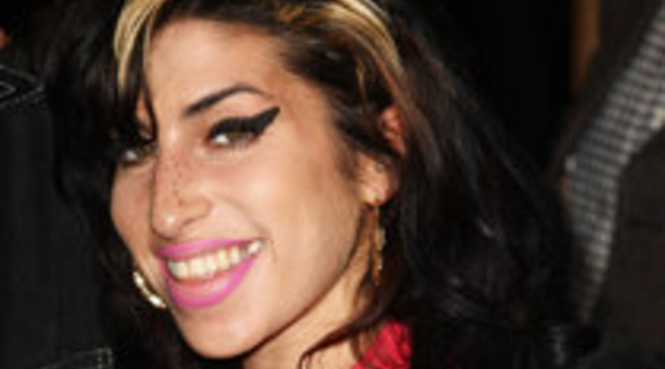 Amy Winehouse wünscht sich neuen Po vom Doktor