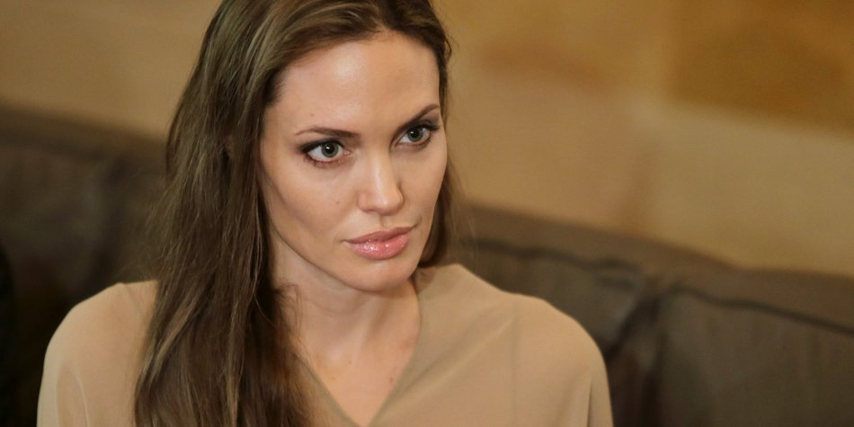 Angelina Jolie eröffnet Mädchenschule in Afghanistan