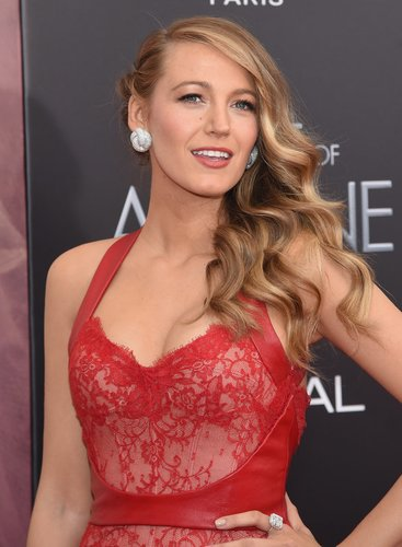 Blake Lively hat bronde Haare