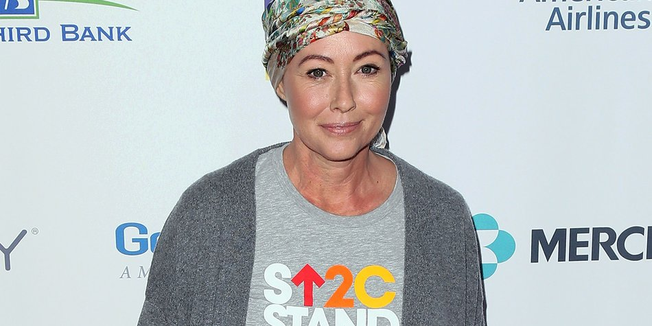 LOS ANGELES, CA - SEPTEMBER 09: Actress Shannen Doherty attends Hollywood Unites for the 5th Biennial Stand Up To Cancer (SU2C), a program of the Entertainment Industry Foundation (EIF), at Walt Disney Concert Hall on September 9, 2016 in Los Angeles, California. (Photo by David Livingston/Getty Images)