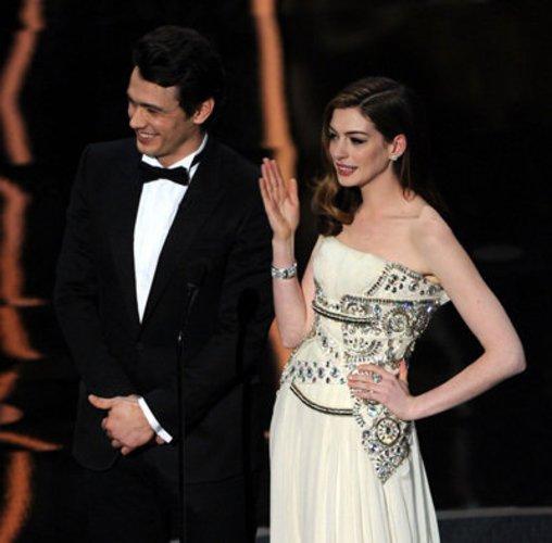 Anne Hathaway und James Franco moderieren Gala