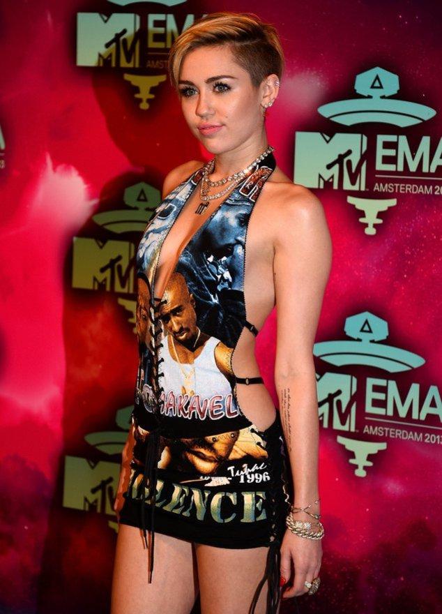 Miley Cyrus auf dem roten Teppich