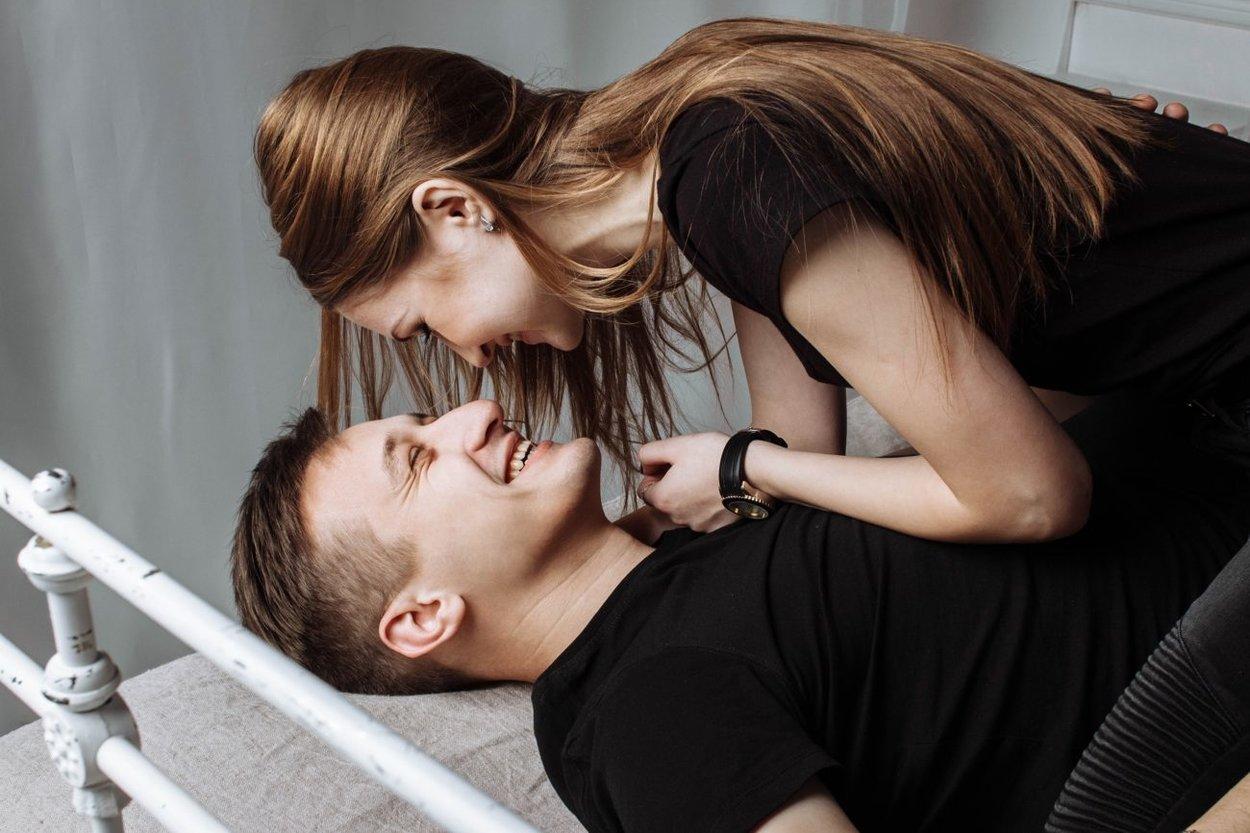 Paar fröhlich