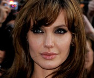 Angelina Jolie schenkt ihrer Tochter einen toten Vogel