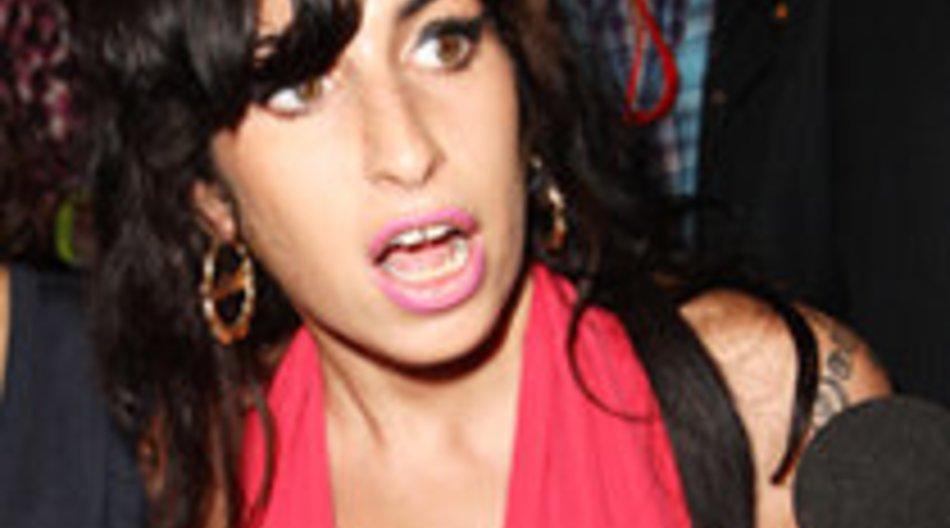 Amy Winehouse plant Nasen-Op