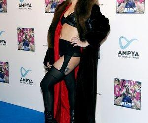Lady Gaga begeistert ihre deutschen Fans im Schnurrbart-Look