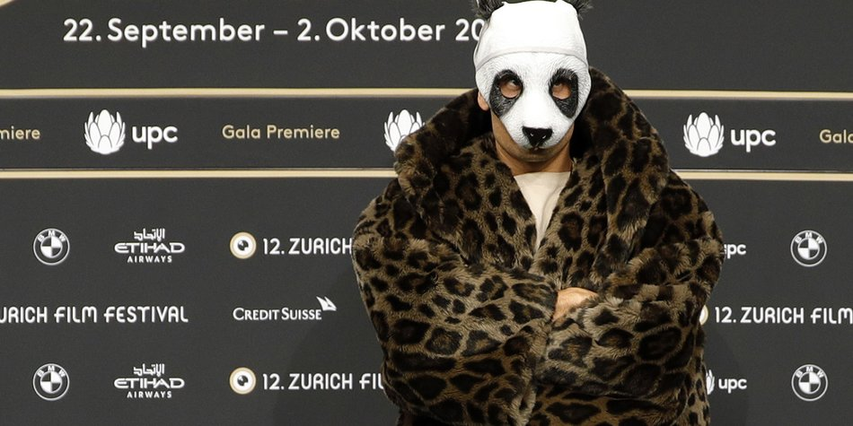 ZURICH, SWITZERLAND - OCTOBER 01: Rapper Cro attends the 'Unsere Zeit ist jetzt' premiere during the 12th Zurich Film Festival on October 1, 2016 in Zurich, Switzerland. The Zurich Film Festival 2016 will take place from September 22 until October 2. (Photo by Andreas Rentz/Getty Images)
