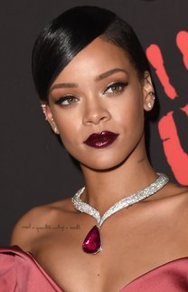 Rihanna: Eleganter Ponytail im Sleek Look