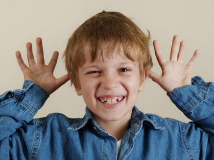 Kinder sind hyperaktiv durch ADHS