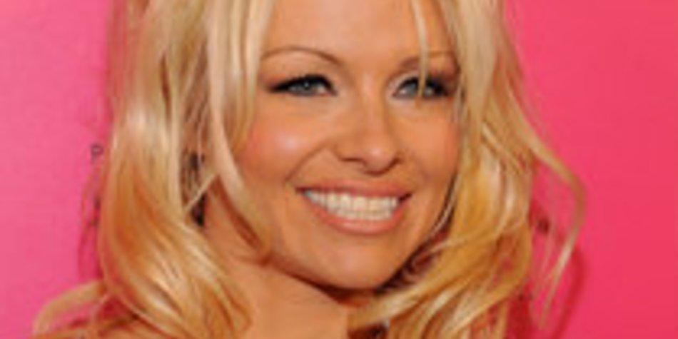 Pamela Anderson: Glücklich im Wohnwagen