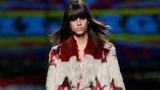 New York Fashion Week: Tommy Hilfiger zeigt rockige Hippielooks