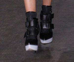 Stilfrage: Wie finden wir Stiletto-Sneaker?
