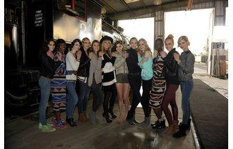 GNTM: Heidi Klum kümmert sich um ihre Mädels