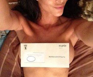 Micaela Schäfer macht sexy Wahlwerbung