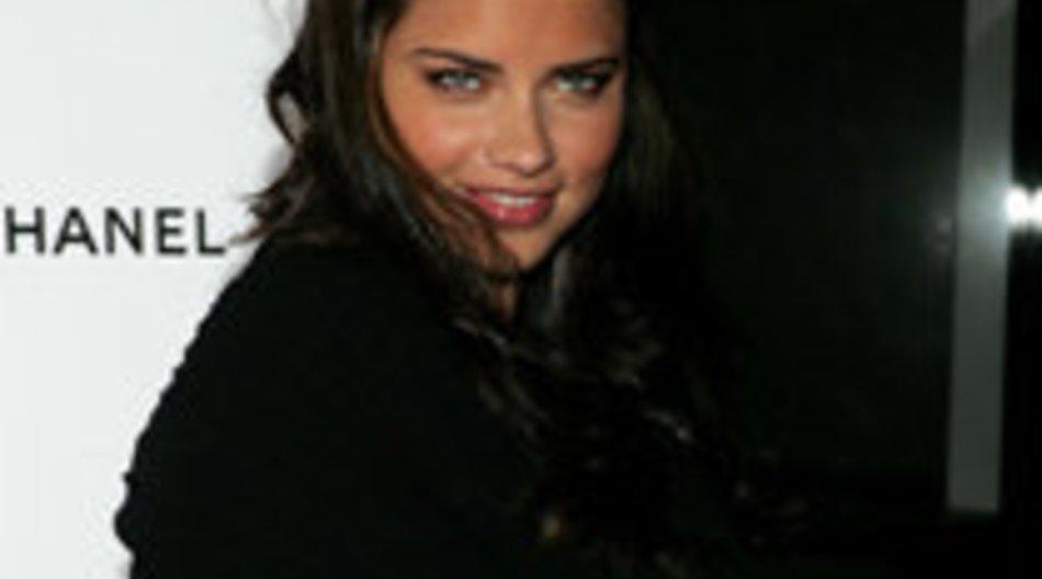 Adriana Lima bringt ihre erstes Kind zur Welt