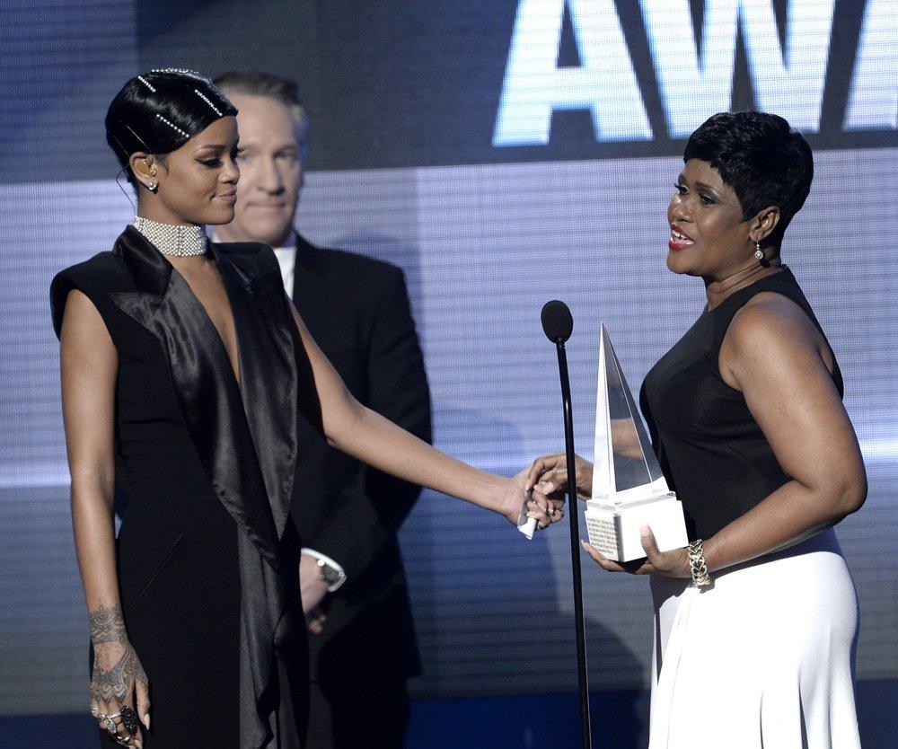 Rihanna: Award von der eigenen Mutter!