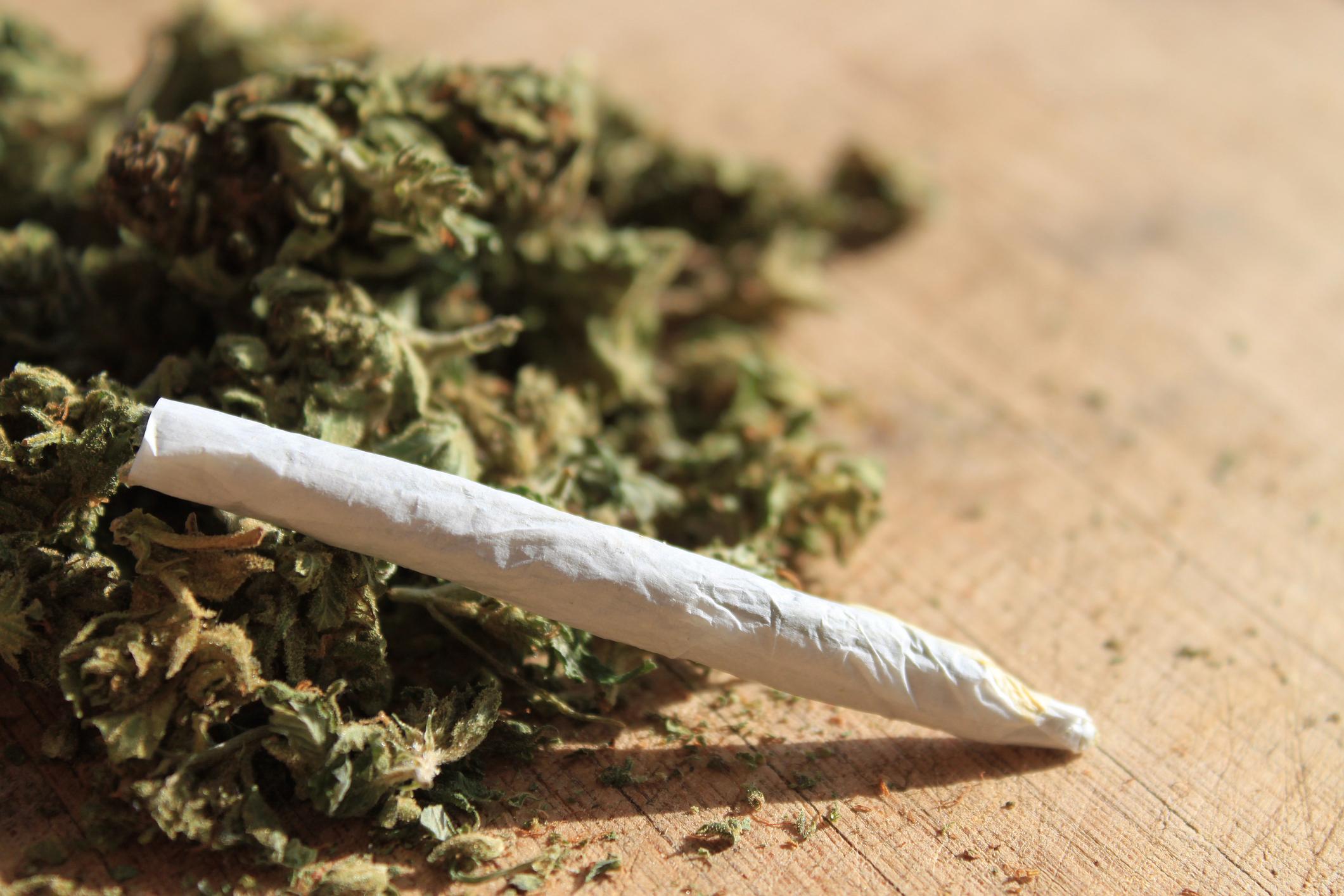 hier kannst du jetzt cannabis zigaretten kaufen. Black Bedroom Furniture Sets. Home Design Ideas