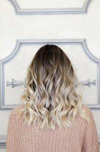 Dunkle Haare aufhellen