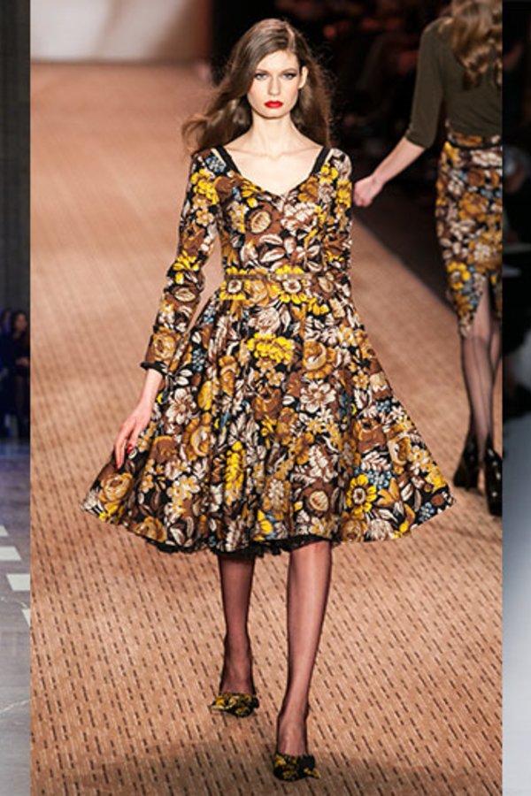 Trend-Radar: So tragen Sie Blumenkleider im Herbst und Winter ...