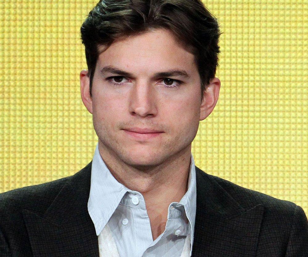 Ashton Kutcher war beim Friseur