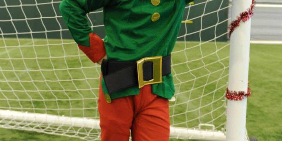 Lukas Podolski als Weihnachtself