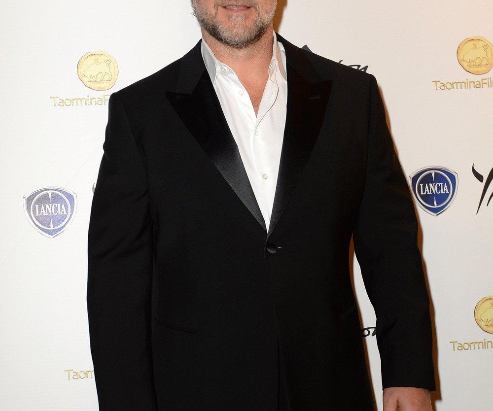 Russell Crowe entschuldigt sich für Nacktbild
