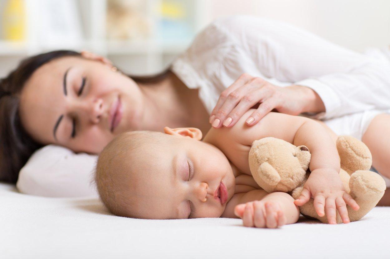 Wie viel Schlaf braucht ein Baby Tabelle