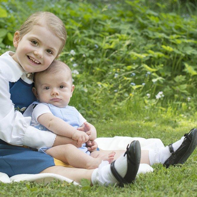 Nationaldagshälsning från Kungafamiljen via Prinsessan Estelle och Prins Oscar, 6 juni 2016