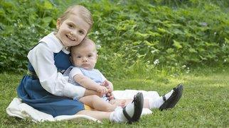 Königlich süß! Prinzessin Estelle und Prinz Oscar von Schweden.