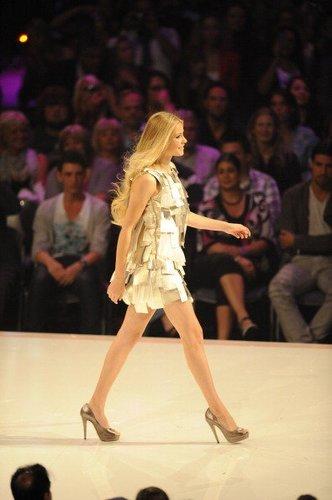 """Amelie Klever beim Finale von """"Germany's Next Topmodel"""" 2011"""
