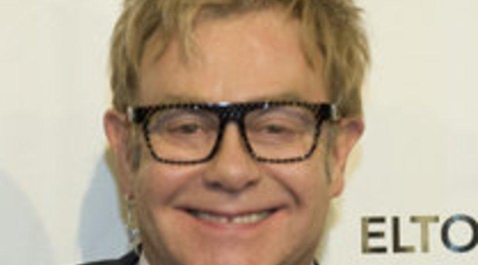 Elton John ist wieder gesund