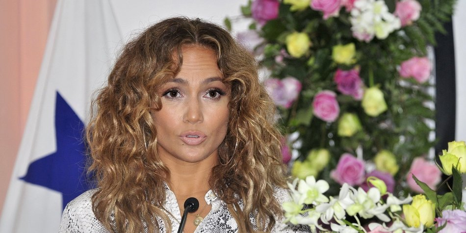 Jennifer Lopez hat eine maßgefertigte Klobrille