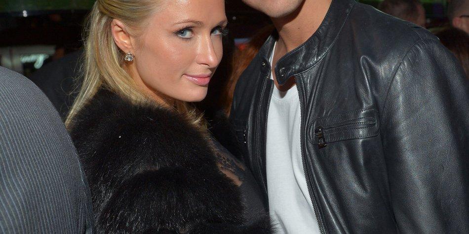 Paris Hilton steht auf Liebe in der Öffentlichkeit